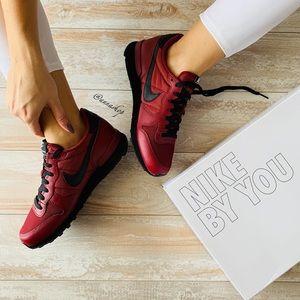 NWT Nike ID Custom internationalist